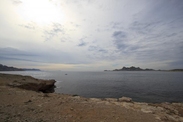 A l'approche de la calanque de Marseilleveyre, Bec de Sormiou, Bec de l'Aigle, îles des Embiez