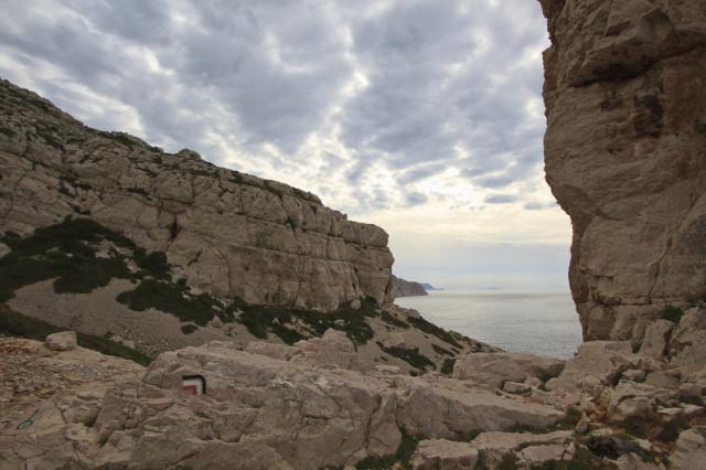 Promontoire rocheux, point de départ du sentier vert entre les calanques de Podestat et de l'Escu