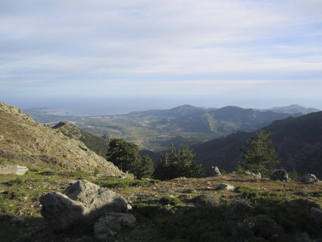 Bocca a u Bazzicchellu : Golfe de Calvi et vallon du ruisseau de Frintogna