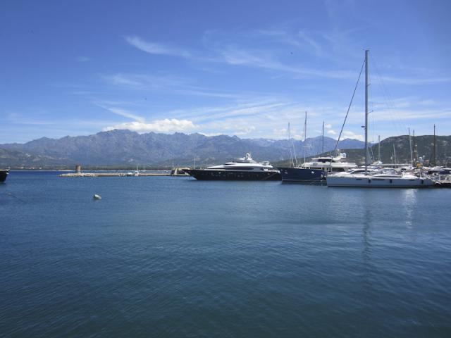Port de Calvi et massif du Monte Cinto