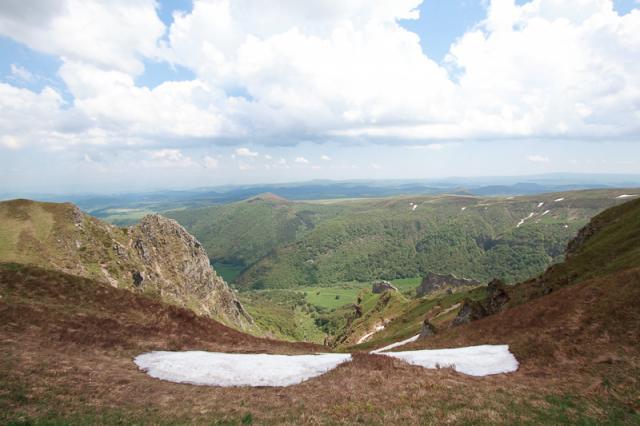 Vallée de Chaudefour, Crête de Coq, Dent de la Rancune, Montagne de la Plate, Puy de Champgourdeix depuis la crête sous le Puy des Crebasses