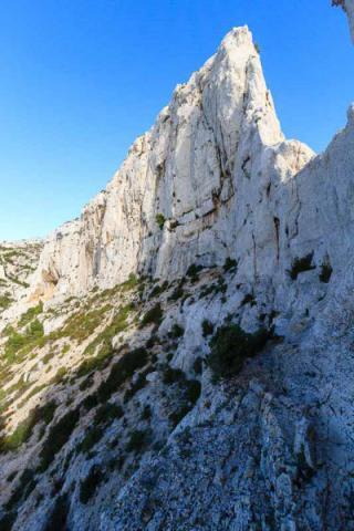 Vue sur le Rocher de St-Michel et l\'arête de la cordée