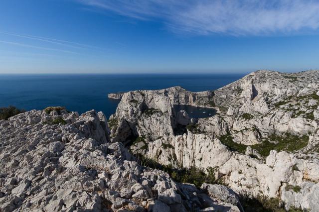 Calanque et Cap de Morgiou - Au dessus de la falaise des toits à Sugiton