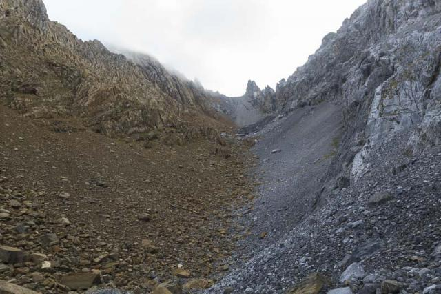 Vallon entre les Pics des Gabietous et la Punta Los Mallos