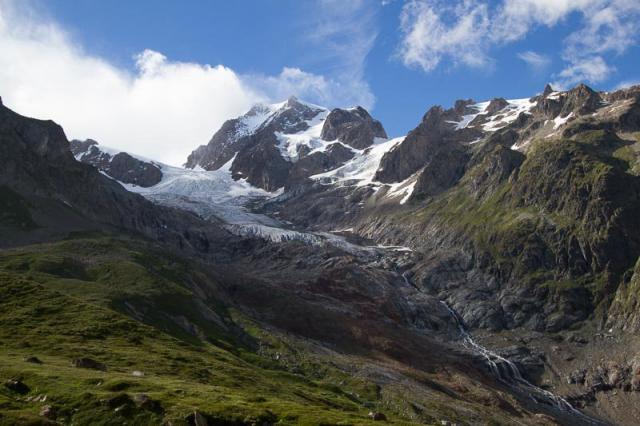 Les Aiguilles de Tré-La-Tête et le Petit Mont Blanc (3424 m)
